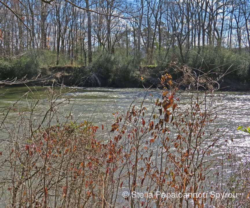 ... traversé par la rivière Chattahoochee…