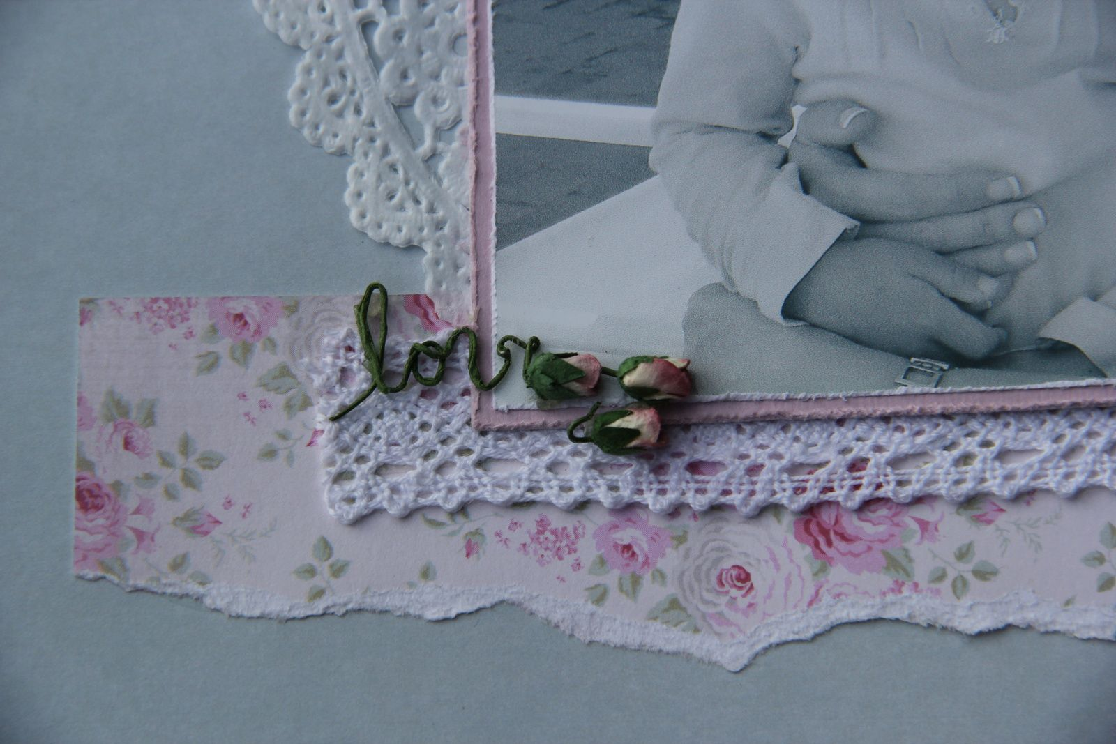 Love.... écrit avec la tige de la rose