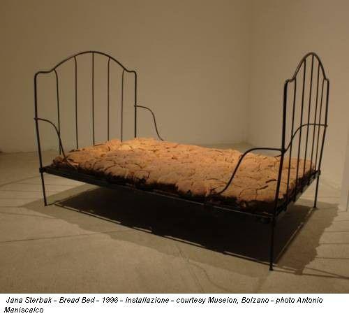 Che cosa sono le nuvole? Oeuvres de la Collection Enea Righi, exposées au MUSEION, Bolzano (Italie)