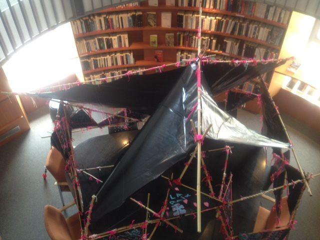 Cabane Expopaix : Un projet de Matthieu Exposito avec les élèves d'une classe de CE1