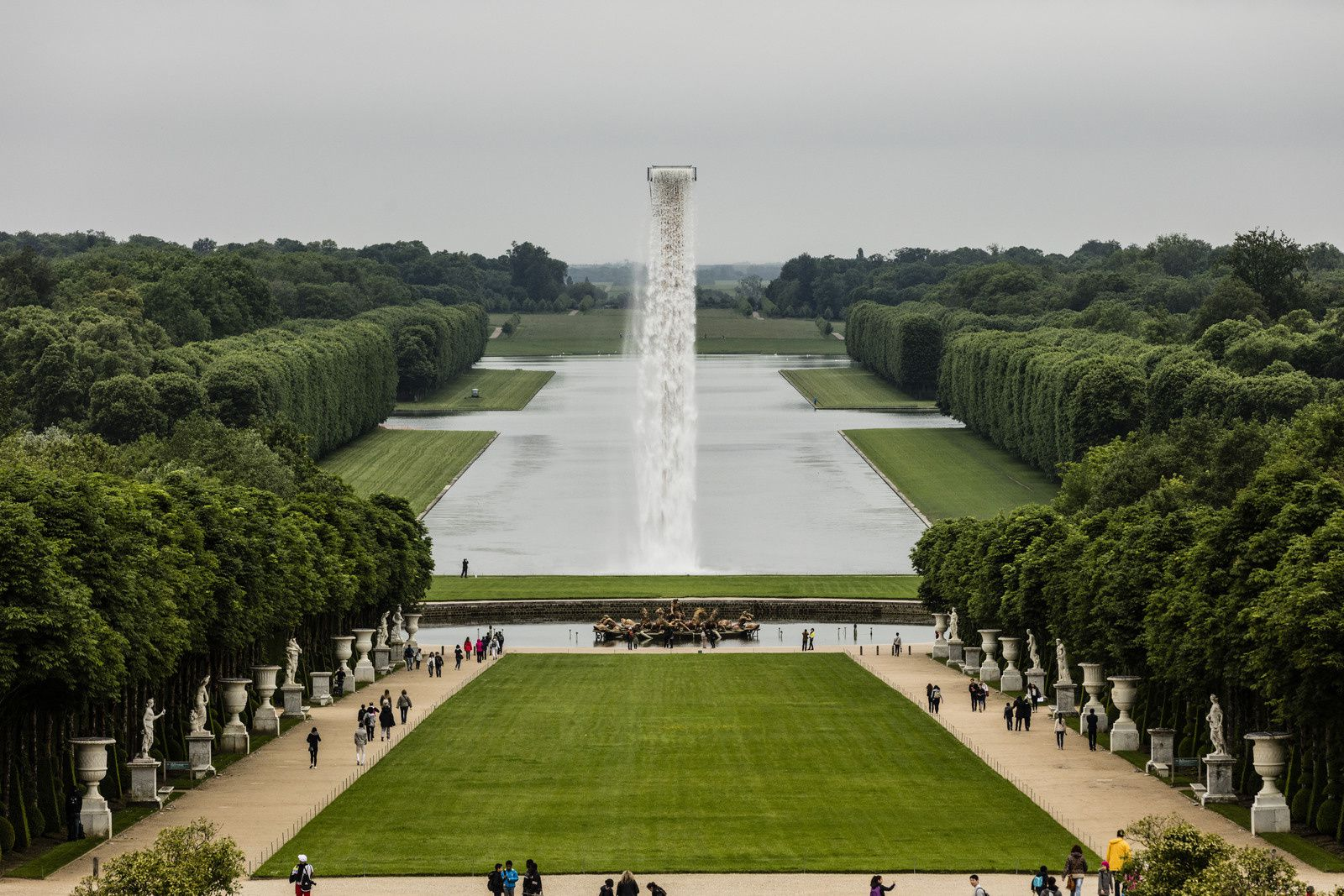 Waterfall, 2016 Installation view, Palace of Versailles, 2016 Photo: Anders Sune Berg Courtesy of the artist&#x3B; neugerriemschneider, Berlin&#x3B; Tanya Bonakdar Gallery, New York © 2016 Olafur Eliasson