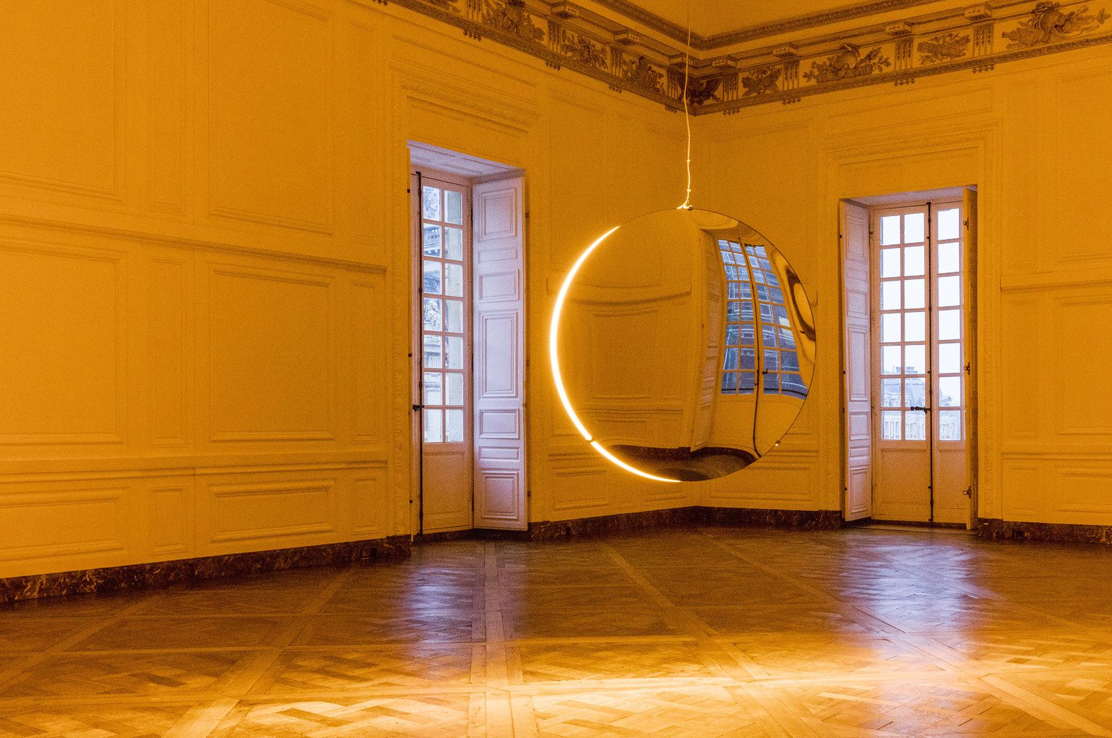 Solar compression, 2016 Installation view, Palace of Versailles, 2016 Photo: Anders Sune Berg Courtesy of the artist&#x3B; neugerriemschneider, Berlin&#x3B; Tanya Bonakdar Gallery, New York © 2016 Olafur Eliasson