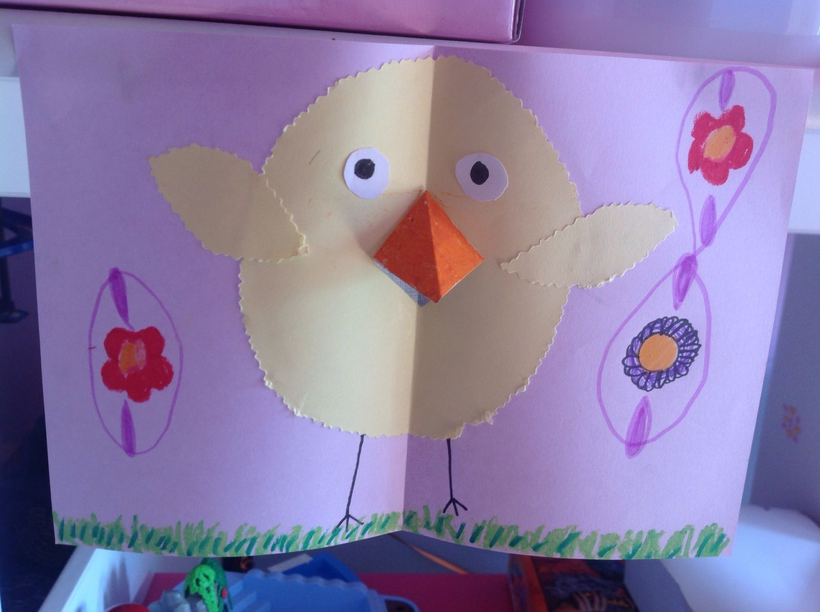 Bricolage enfants : une poule de pâques et un poussin