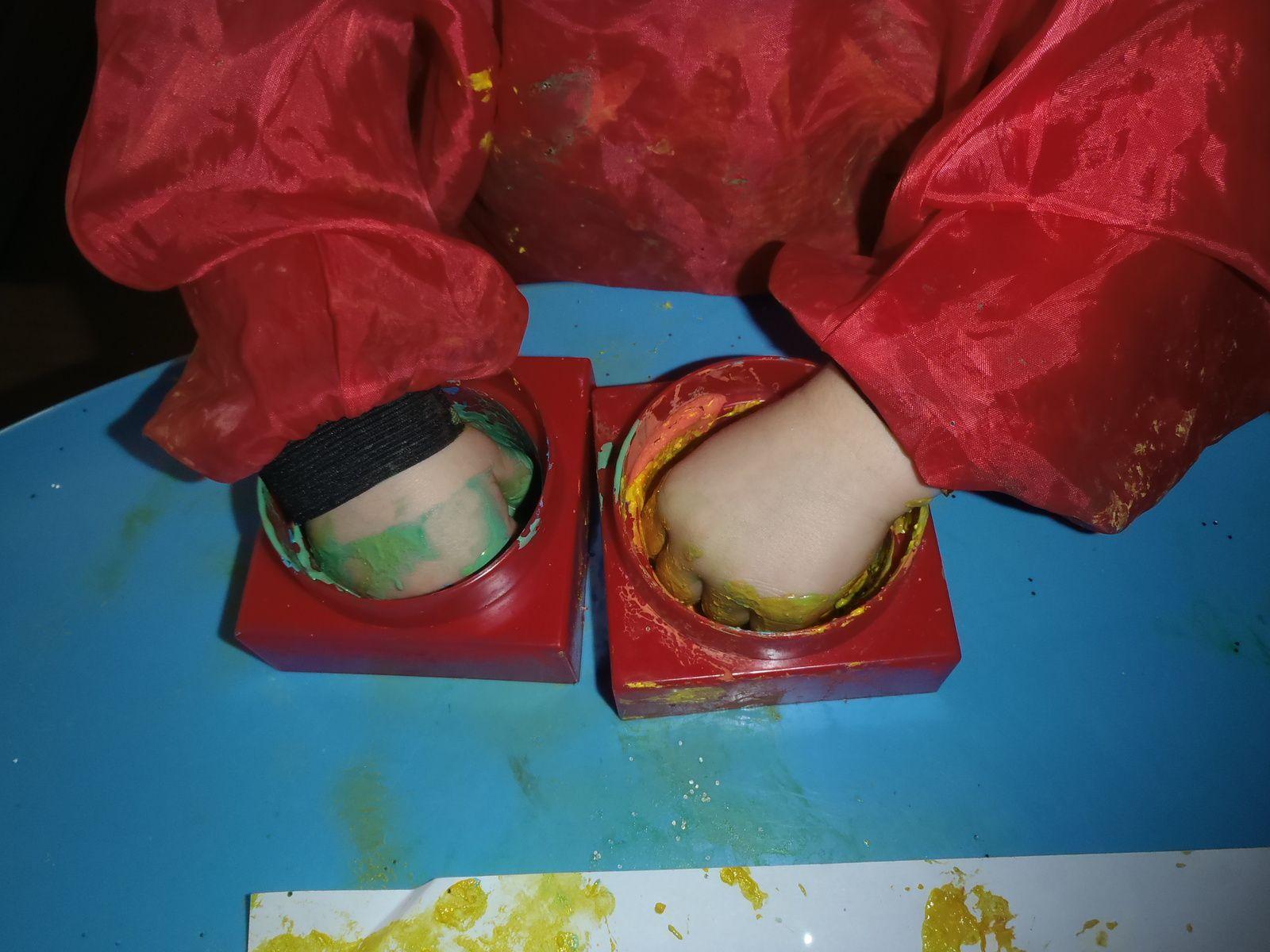 Bricolage enfants : les sapins de noël avec une assiette en carton