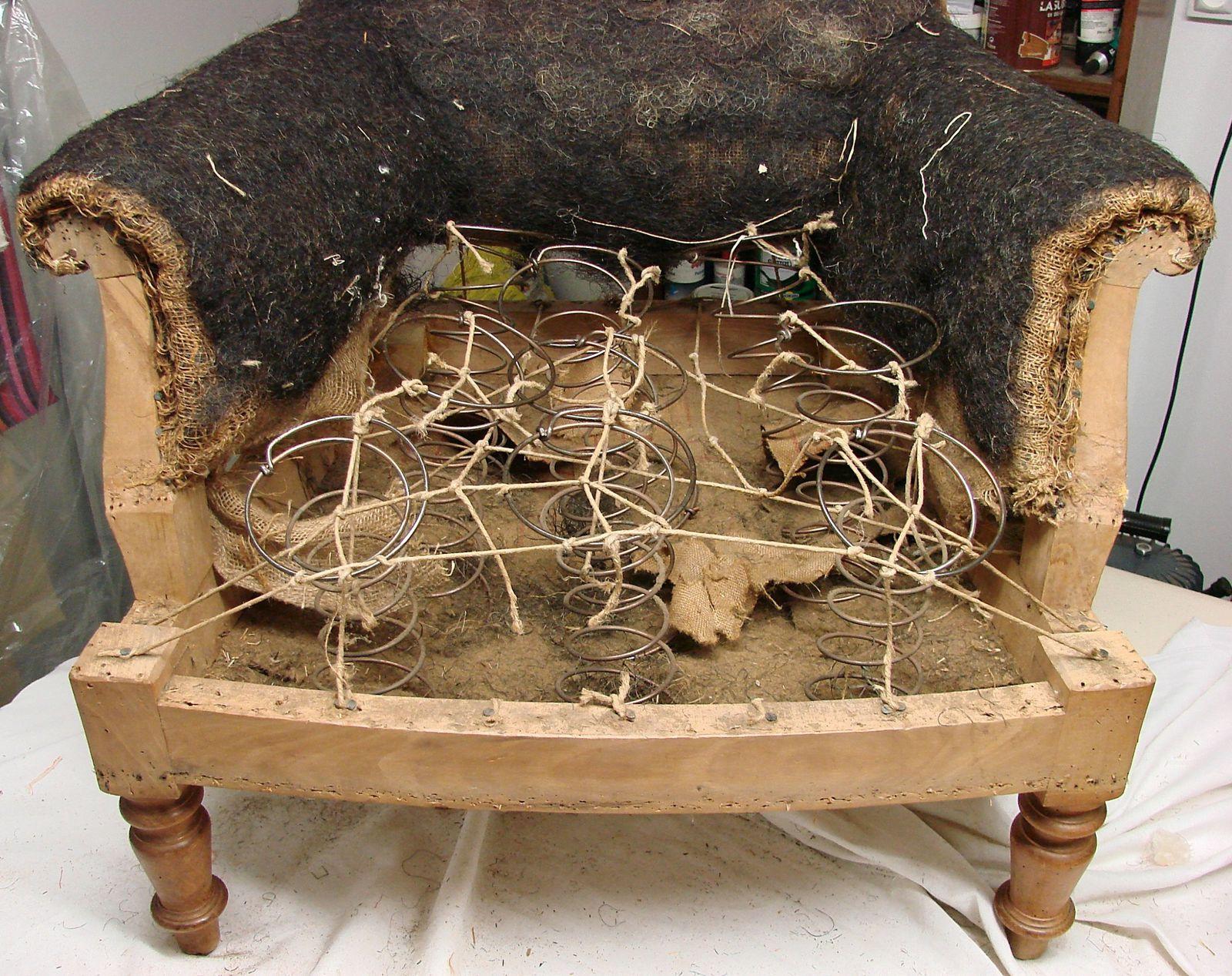 Fauteuil anglais vii du si ge au d cor tapissier d 39 ameublem - Confortable en anglais ...