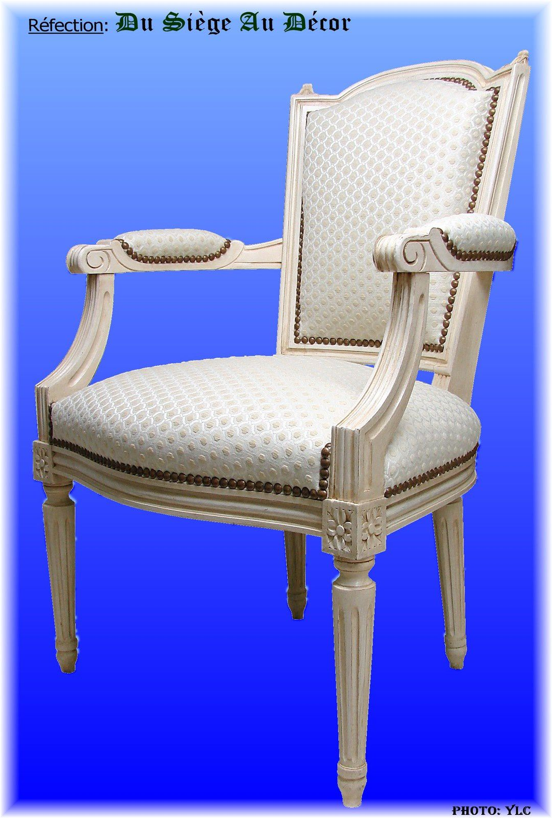 fauteuil style louis xvi du si ge au d cor tapissier d. Black Bedroom Furniture Sets. Home Design Ideas