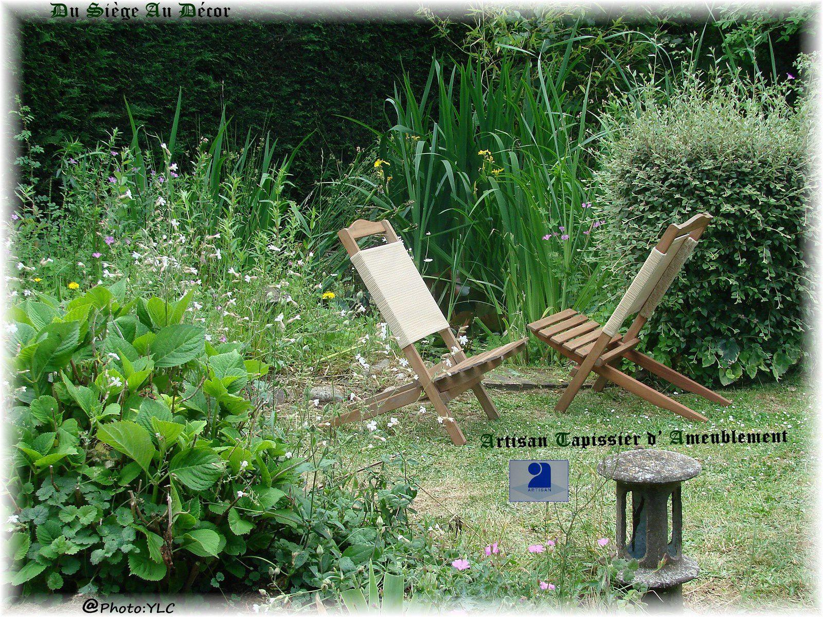 Outdoor au jardin, chaises au bassin&#x3B; Du Siège au Décor,Tapissier d'Ameublement