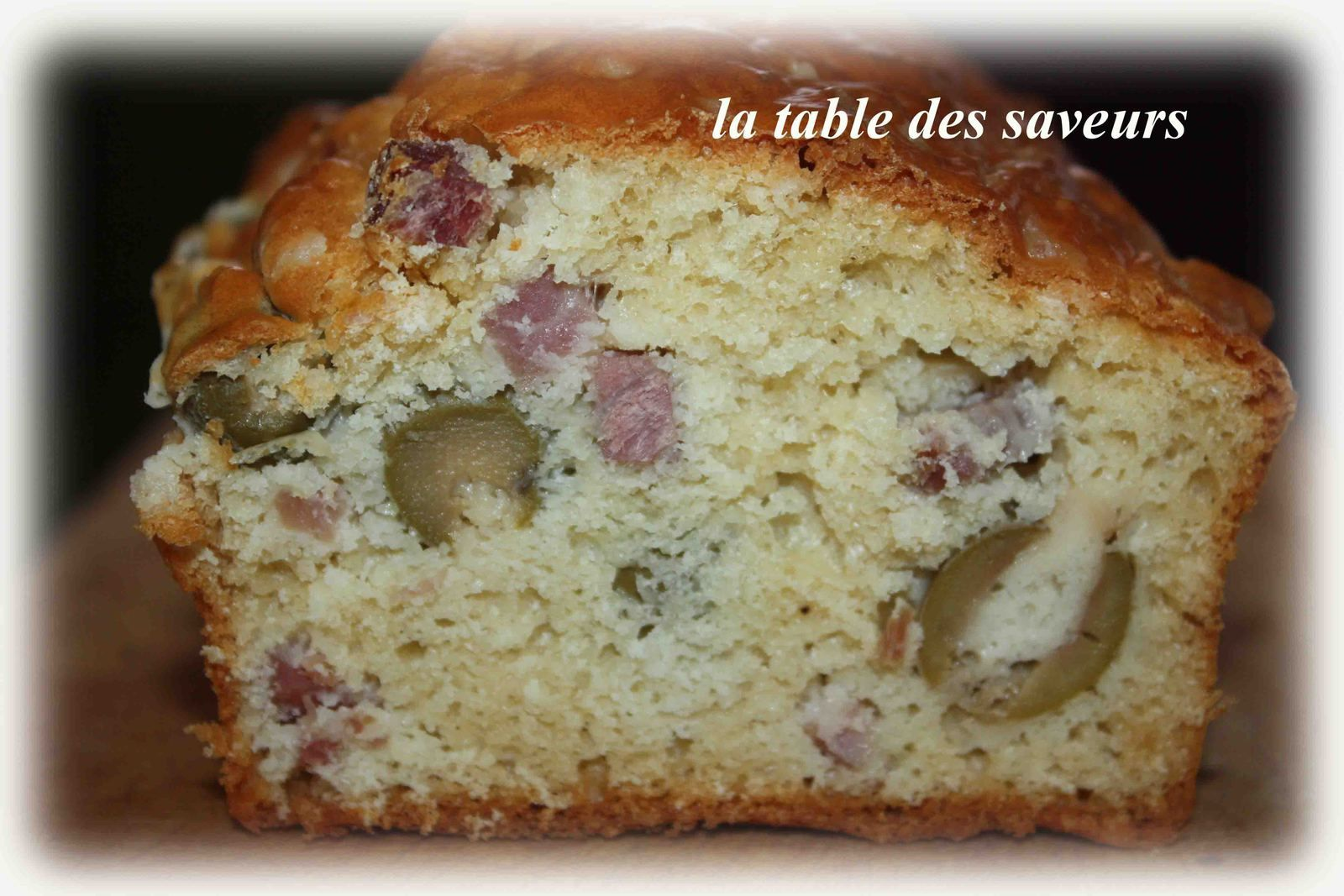 cake jambon olives la table des saveurs. Black Bedroom Furniture Sets. Home Design Ideas