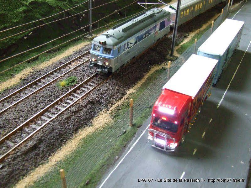 Deux modes de transport... Le rail et la route!