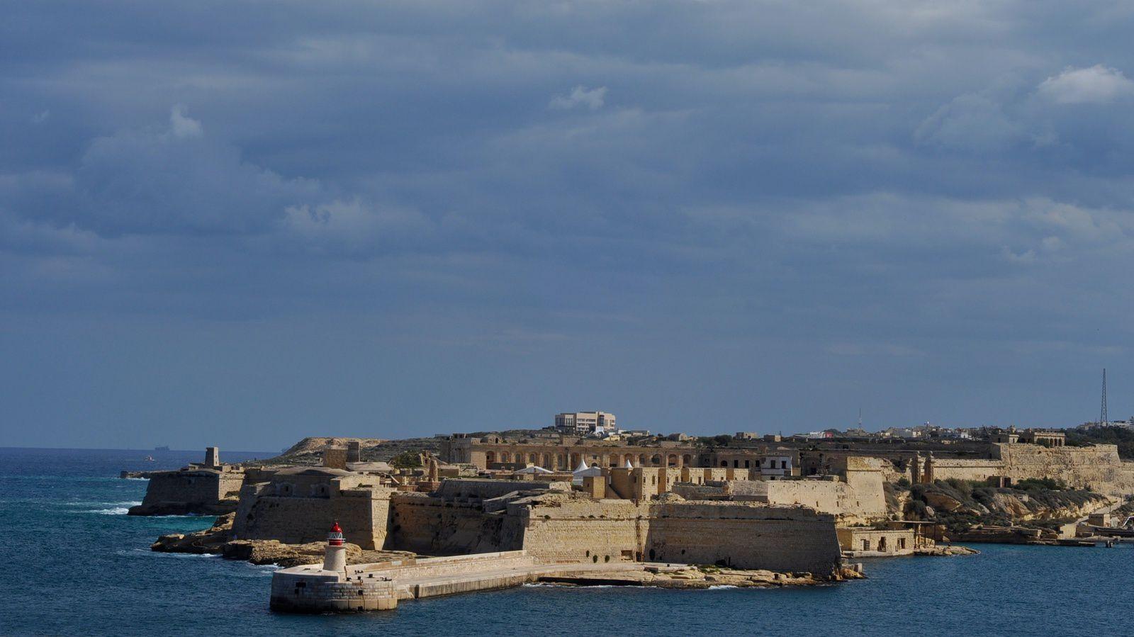 le fort de la Valette et la baie de Sliema