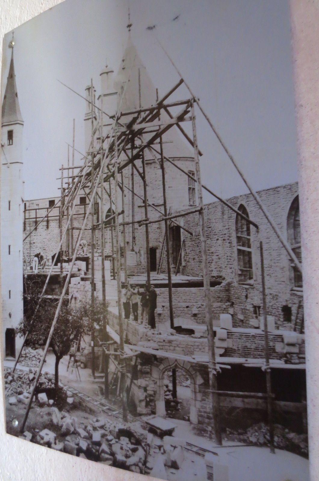 Avant la restauration et pendant la restauration après achat par le président Carnot