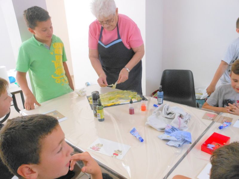 CM1 GROUPE 2:ATELIER MOUSSE A RASER