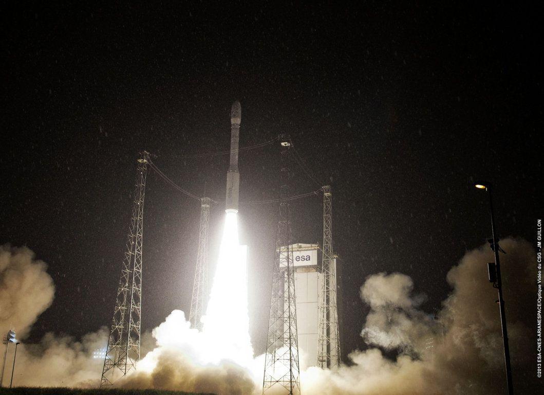 Quelques photos des lancements et du lanceur VEGA prises en majorité par le Service Optique du Centre Spatial Guyanais (CNES/CSG)