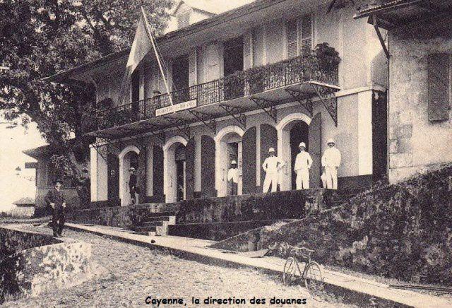 Ancienne direction de la douane à Cayenne, rue du vieux port.