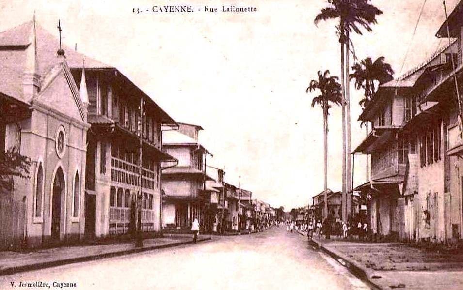Externat Saint Joseph à Cayenne (Guyane), hier et aujourd'hui