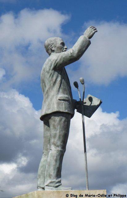 La statue de Justin Catayée à Cayenne