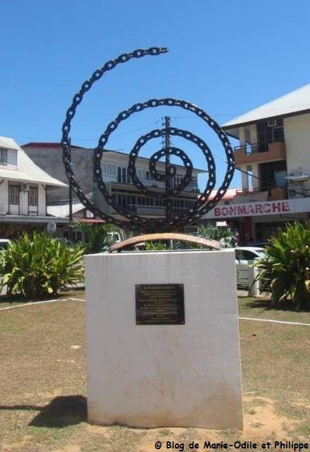 Le Cercle des esclaves, place du coq à Cayenne