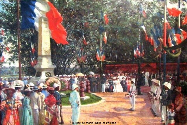 Oeuvre de Paul Merwart, cette peinture à l'huile représente l'inauguration du monument le 31 août 1901, érigé au cimetière de Cayenne, en hommage aux victimes de Mapa.