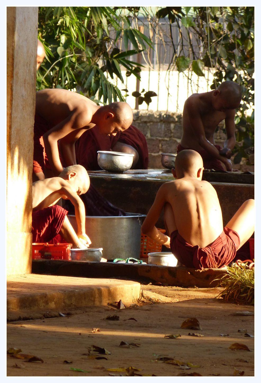 Nous avons même vu des moines travailler!