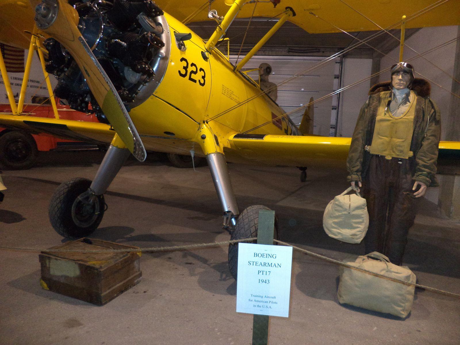 cet avion a été fabriqué par Boeing.