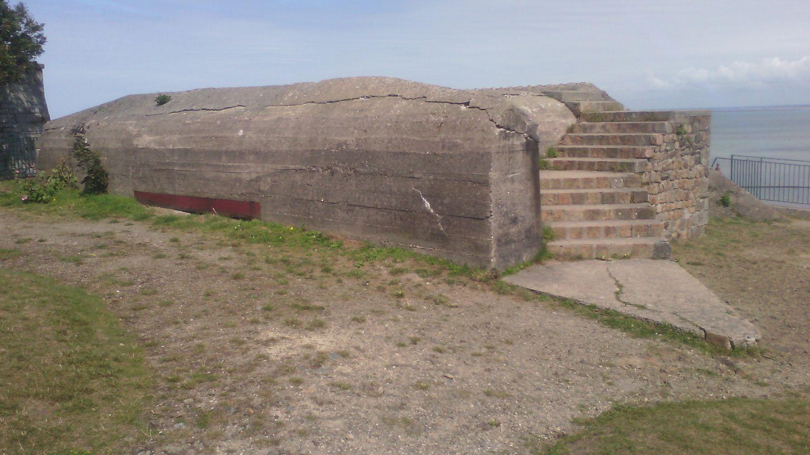 de l autre coté de Granville encore une fortification pour canon