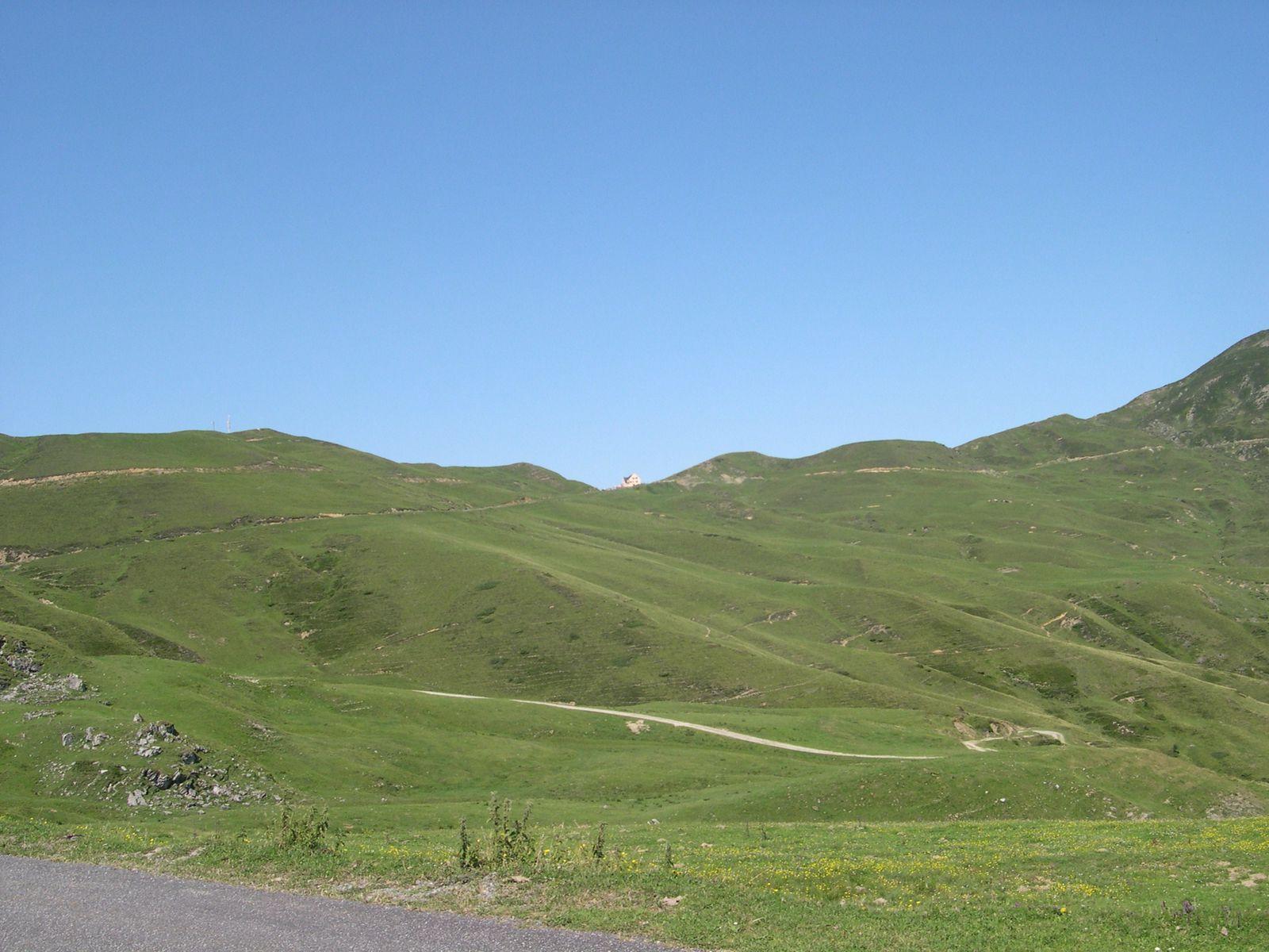 Le col d'Aubisque, vue du côté descente, il est bien plus beau.