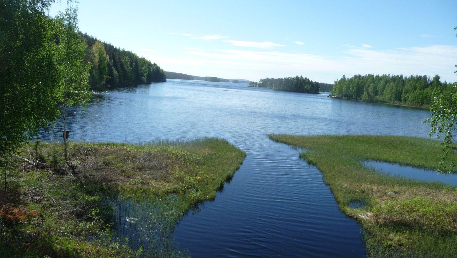 Nous sommes dans un région de lacs.