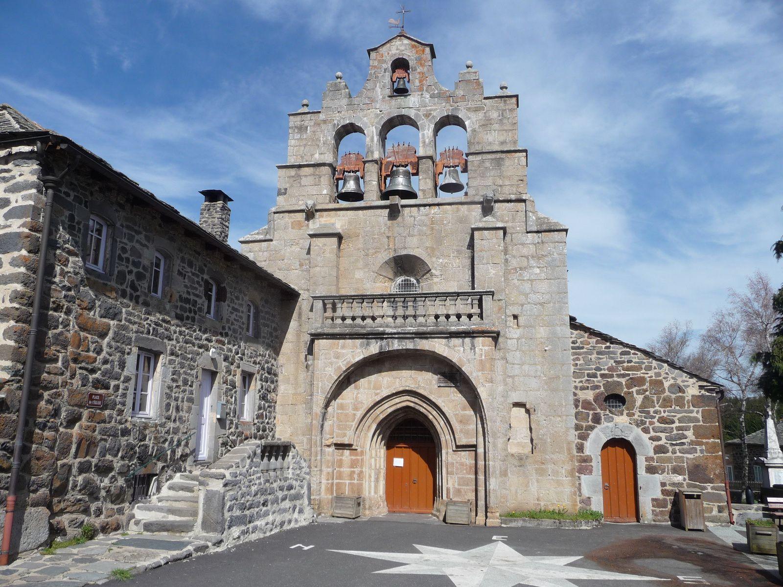 L'église de Saint Front.