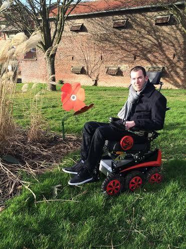 Nouveau fauteuil roulant à l'essai: le NewLive