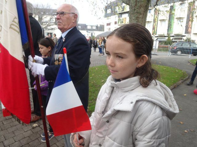 Belle affluence à Ploemeur pour la cérémonie du 11 novembre