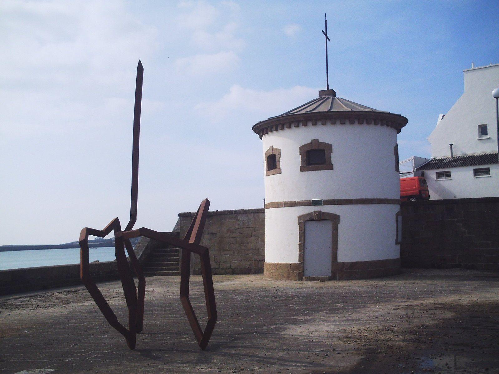 1,2: Sculpture- 3:Après le marteau-piqueur- 4: Malpropreté- 5: remplacement des WC