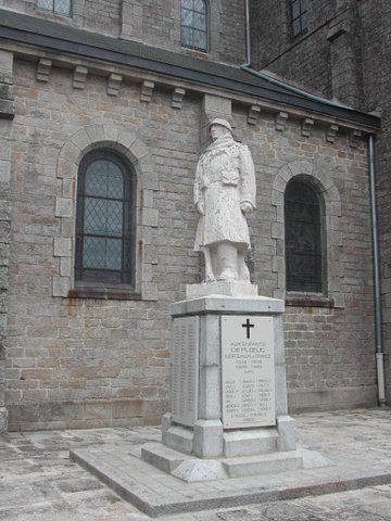 Monument aux Morts Ploeuc sur Lie.