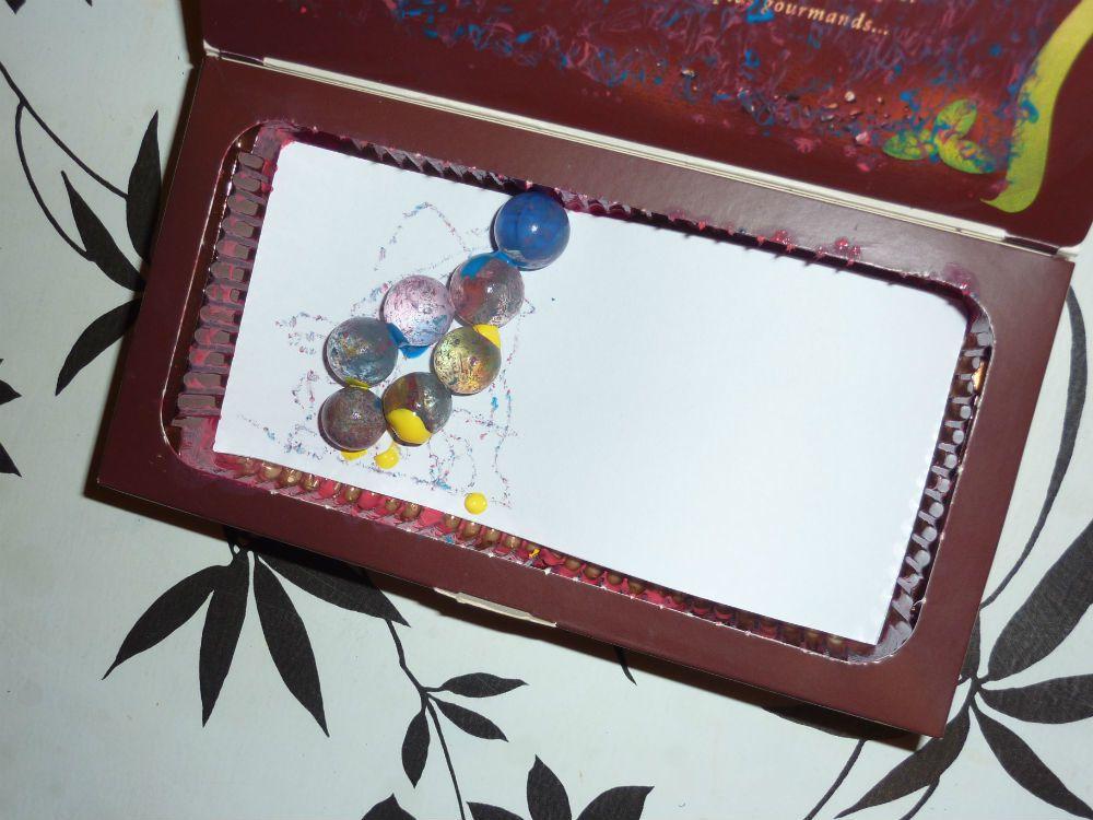 Peindre avec des billes