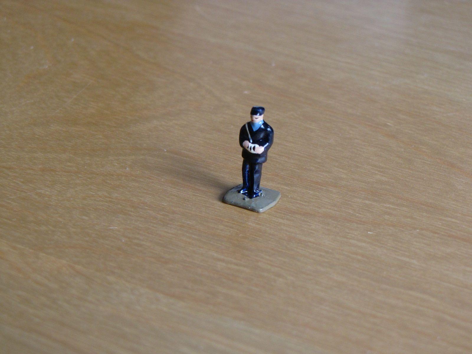 L'agent de police MDM matricule 146, recherché depuis plus de cinq ans, vient d'arriver ......