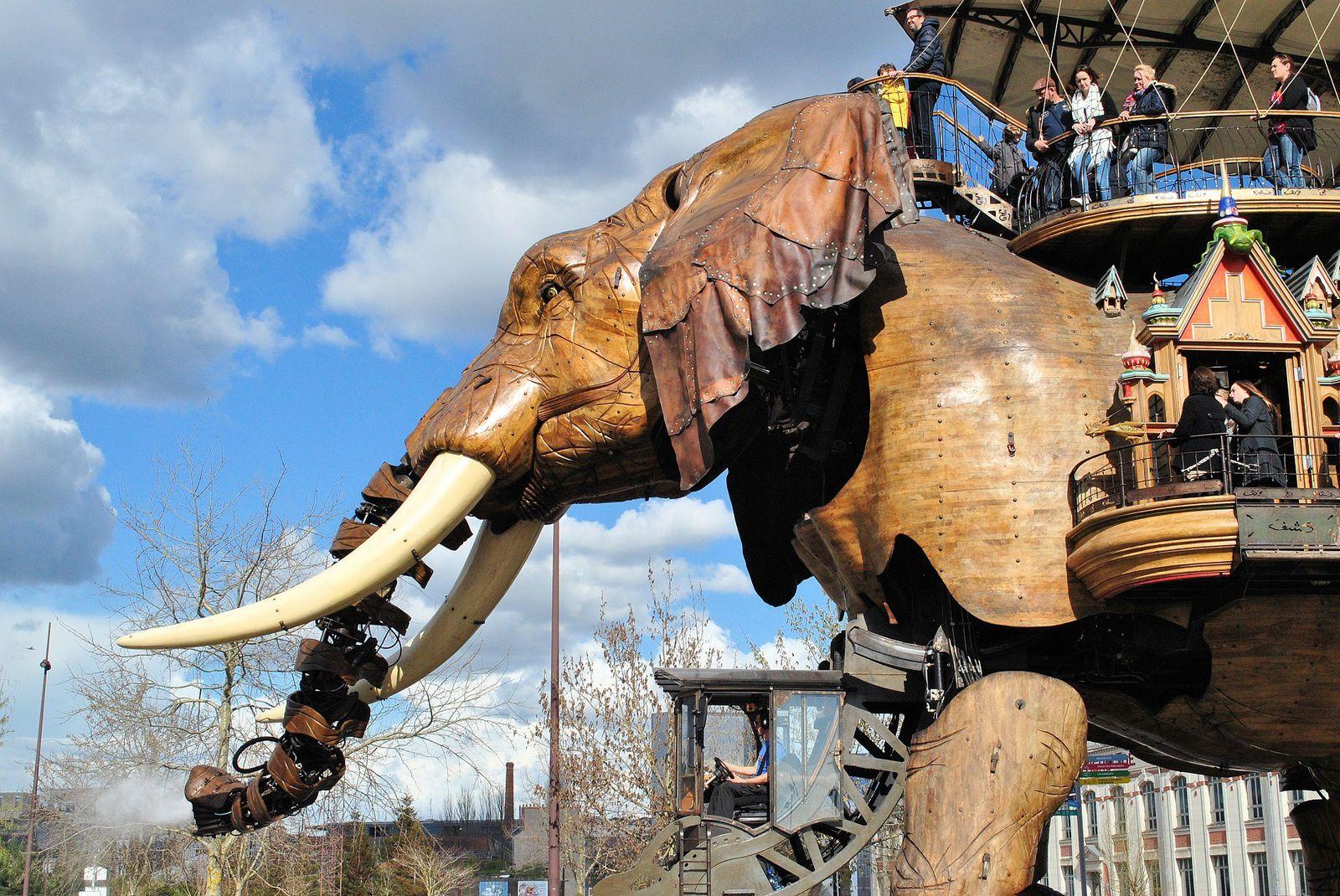 Nantes: Eléphant géant. (Photo prise le 11.04.2016).