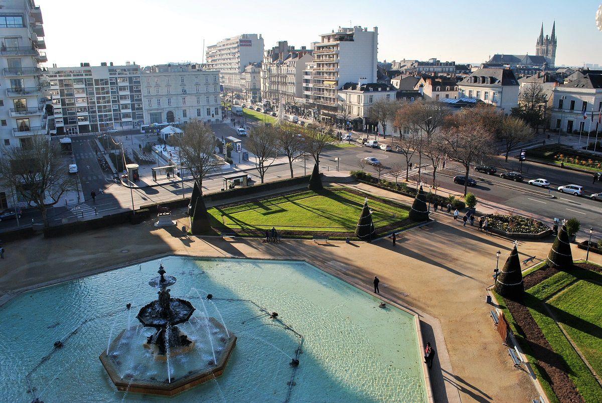Angers: Le jardin du Mail et le Boulevard Foch. (Photo prise le 30.11.2016).