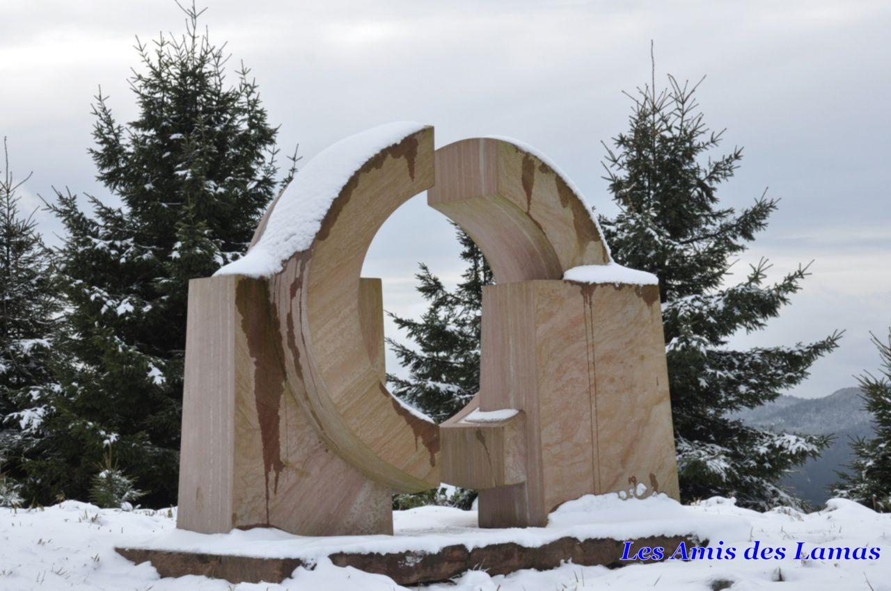 Sculpture (la Roue Solaire)