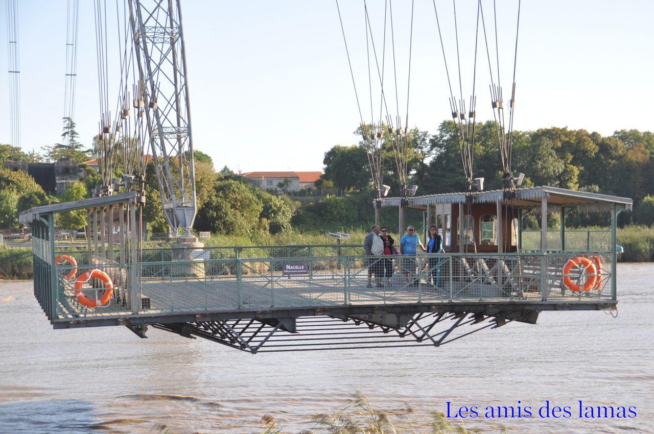 Nacelle traversant la Charente