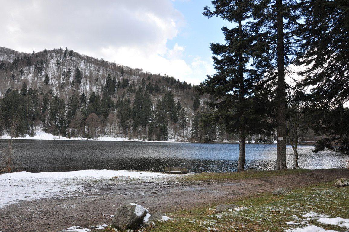 Lac de blanchemer sous quelques rayons de soleil