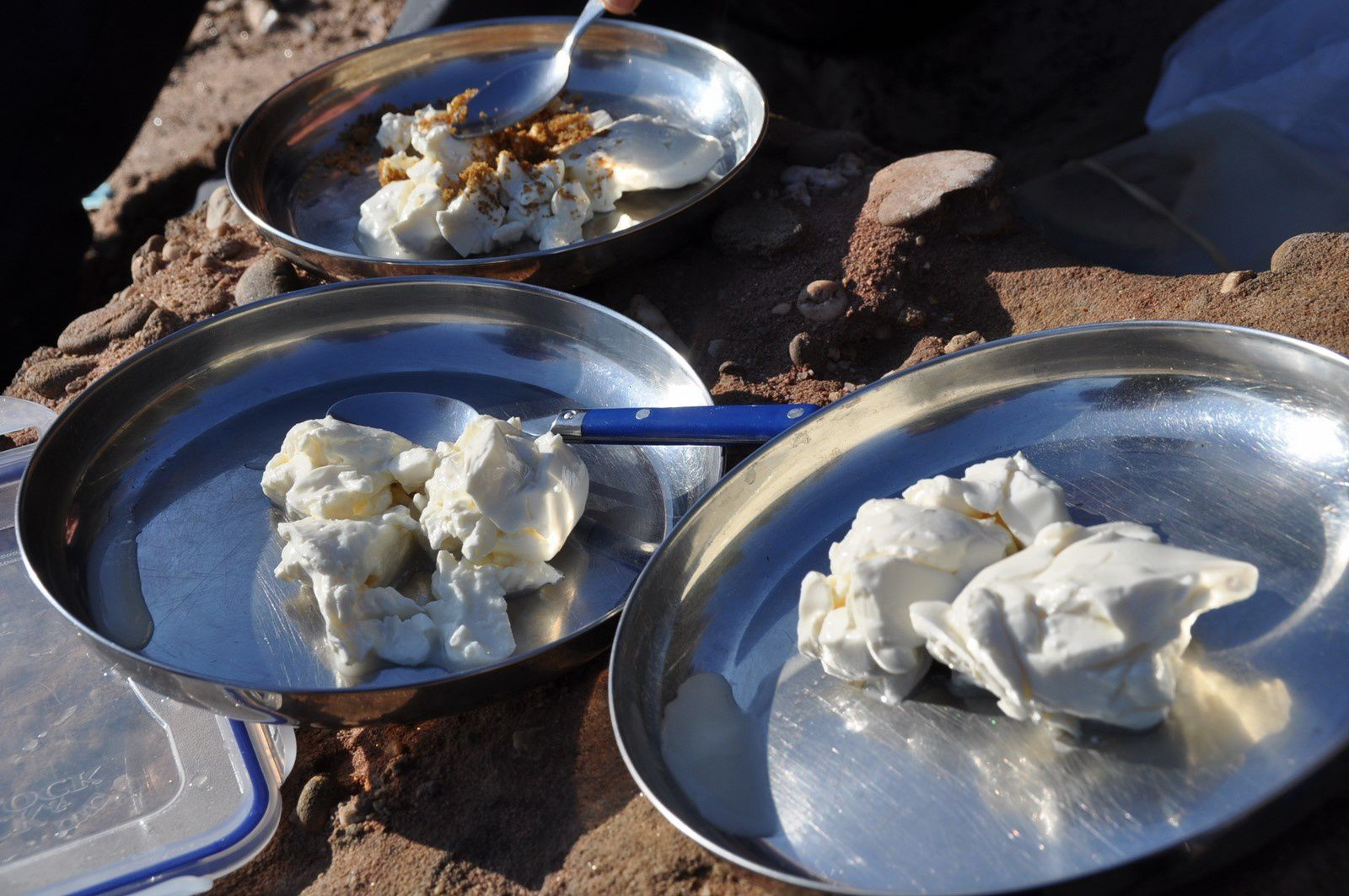 Notre déjeuner au bord du lac avec Sieskäse de Mad. en dessert