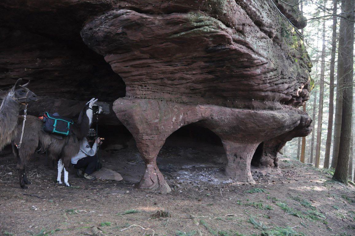 Le Petit Rougimont avec ses piliers et sa grotte