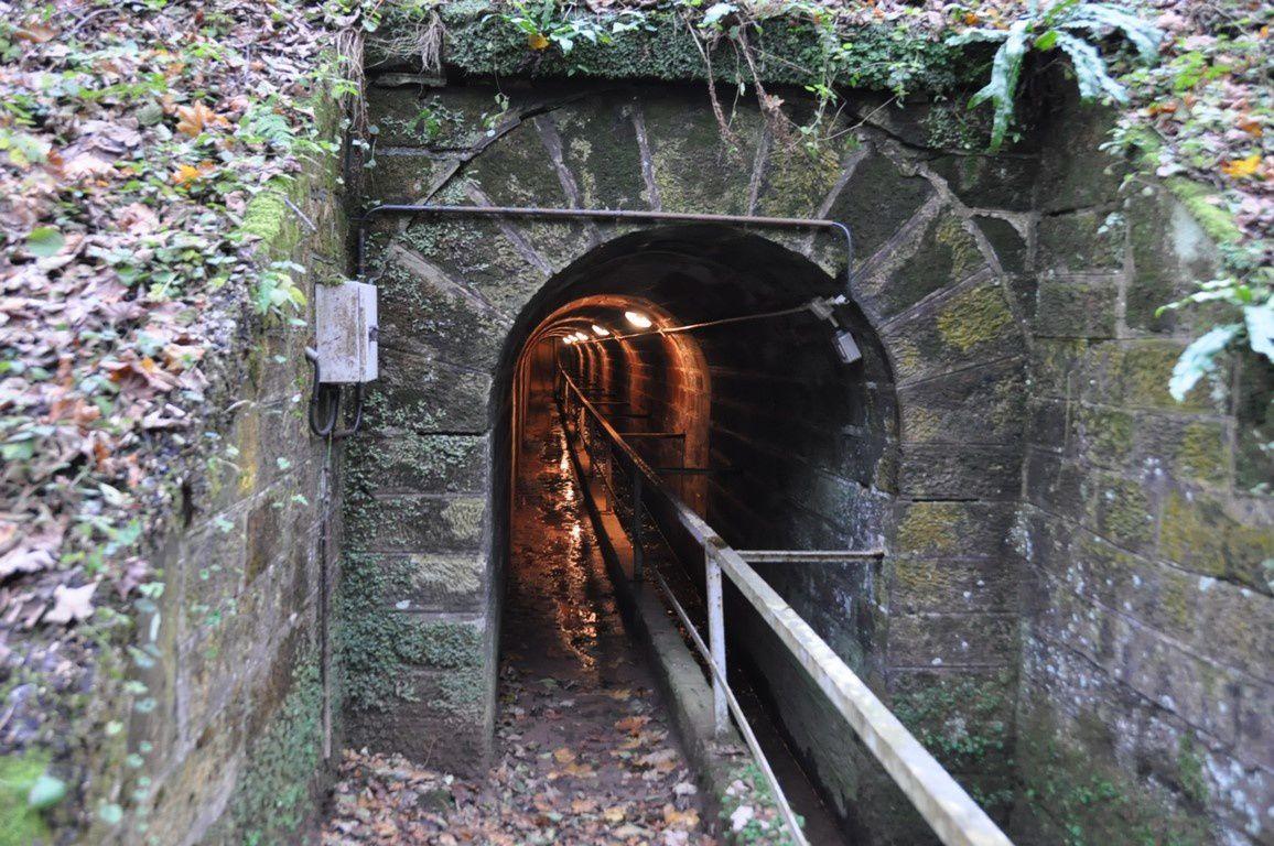 On sort de ce fameux tunnel pour retrouver les berges aménagées de la Vallée des éclusiers
