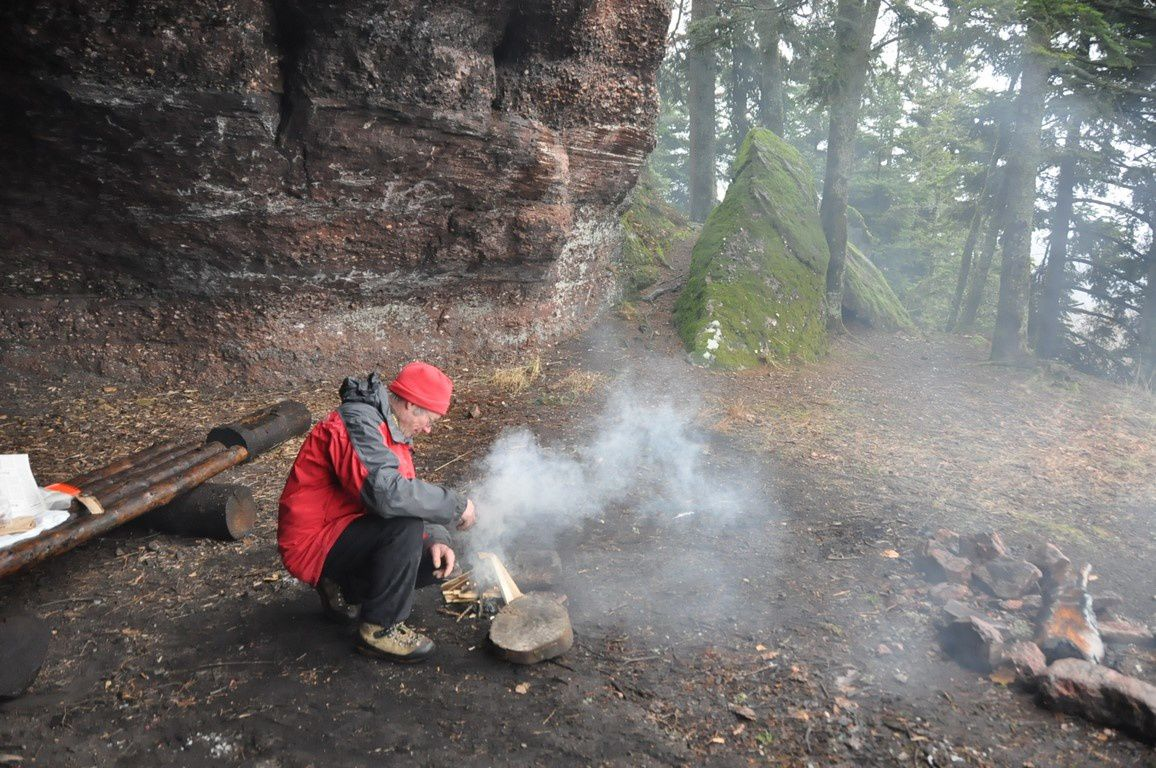 Un bon feu ....pour se réchauffer et pour une excellente cuisson des steacks !