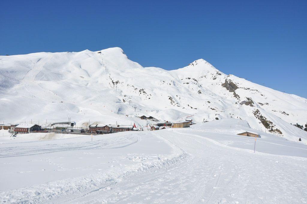 La Station de ski de la  Kleine Scheidegg au pied de l'Eiger , du Mönch et de La Jungfrau