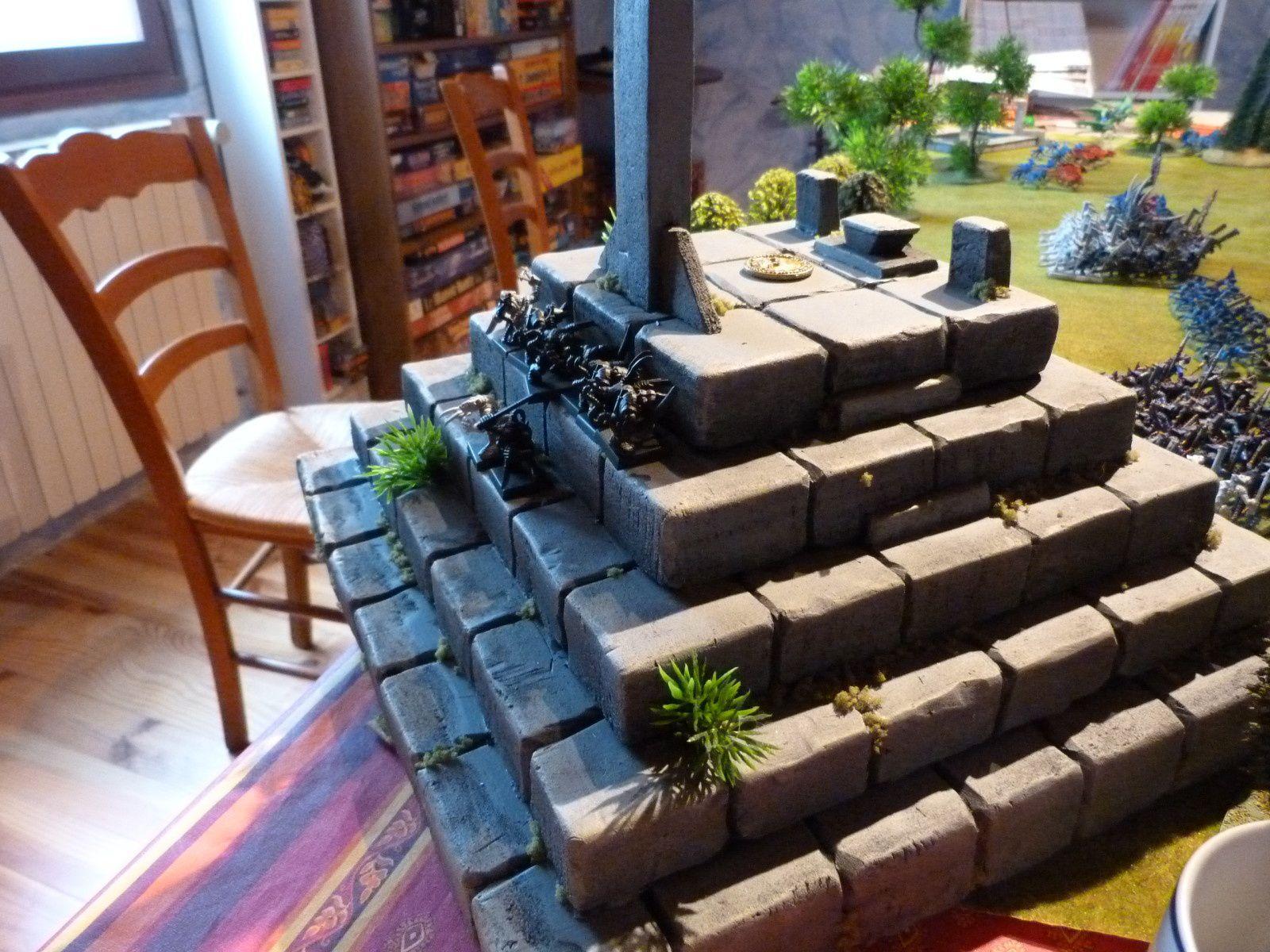 Enfin, Yann jouait 10 coureurs d'égouts qui arrivèrent bien planqués sur le temple !