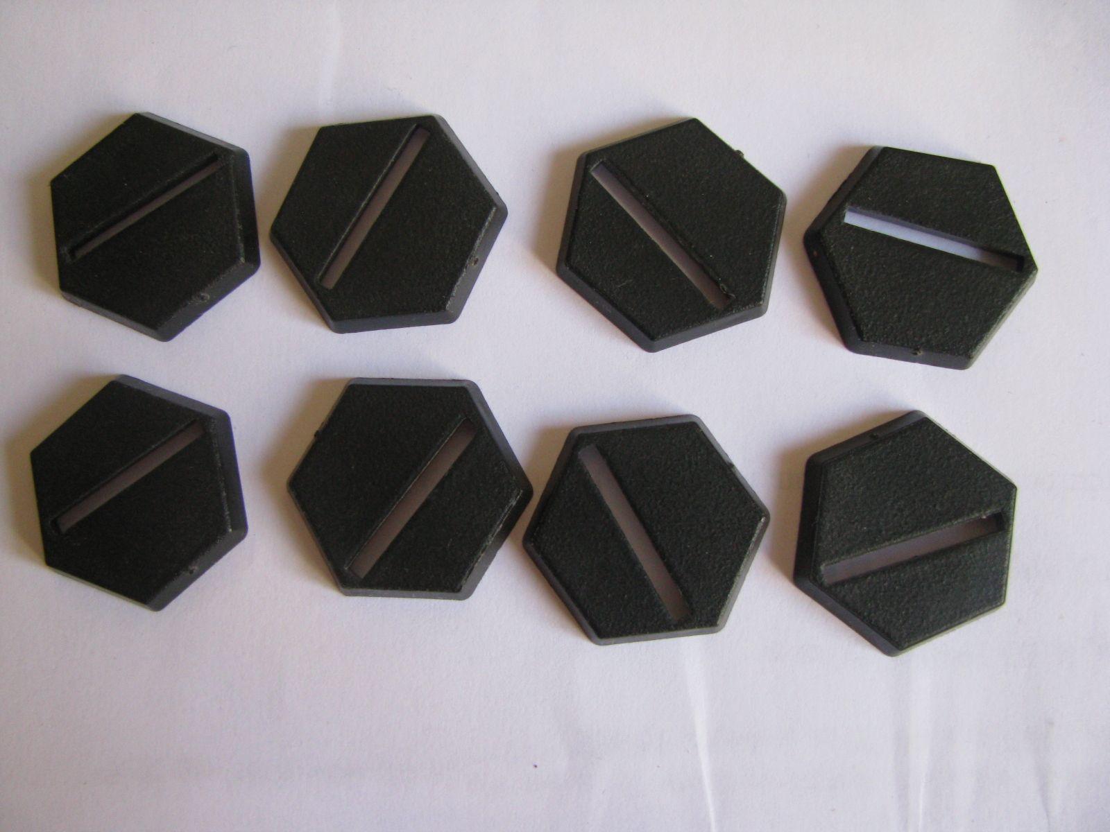 Des socles carrés, des socles ronds... et pourquoi pas des socles hexagonaux ??