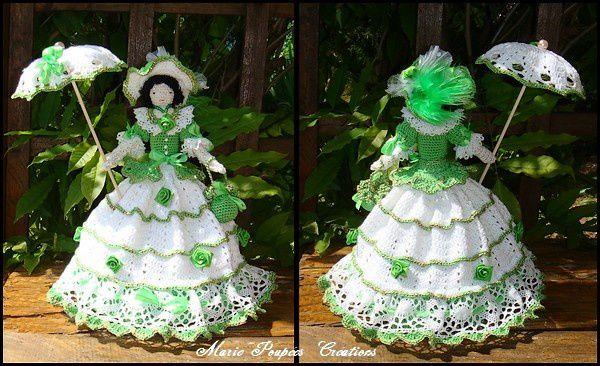 Une poupée verte ....