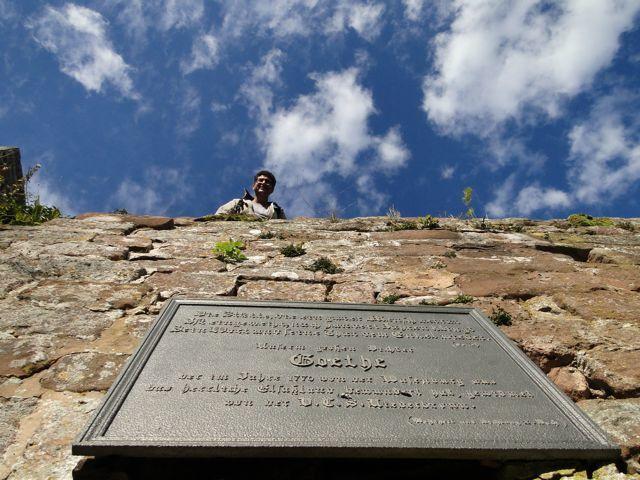 À la Wasenbourg une plaque avec une citation de Torquato Tasso de Goethe rappelle son passage ici en 1770.