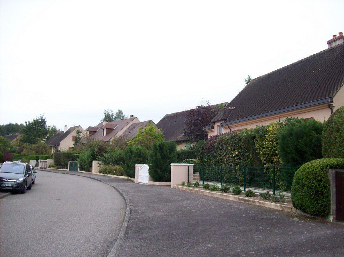 Rue Maréchal Juin - 71400 Autun.