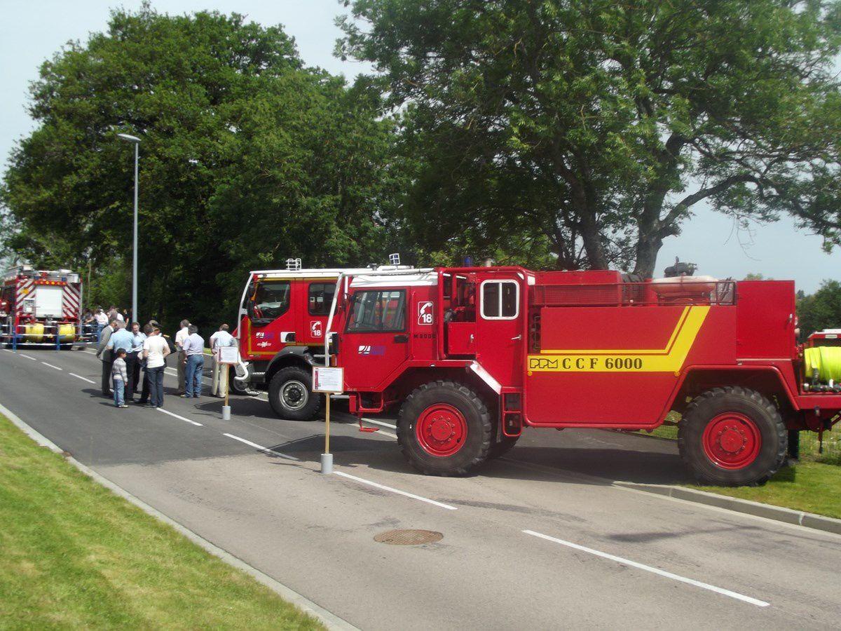 Centre d'incendie et de secours Charles Echavidre, avenue André Frénaud - 71400 Autun. Journée portes ouvertes du 8 juin 2013. La 4e,6e,7e,8e,14e15e et 16e photo proviennent du site Autun-info.